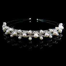Beautiful and elegant Alloy With Pearl Bridal Wedding Tiara