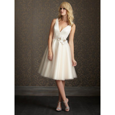 Fabulous A-Line V-Neck Satin Knee Length Reception Wedding Dresses/ A-Line Short Petite Wedding Gowns