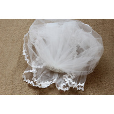 Pretty White Tulle Flower Girl Veils with Tiaras