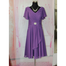 Enchanting Knee Length Chiffon Mother of the Bride/ Groom Dresses with Flutter Sleeves