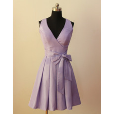 Elegant A-Line V-Neck Sleeveless Short Pleated Skirt Taffeta Bridesmaid Dresses with Sashes