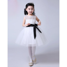 Simple Affordable Ball Gown Knee Length Lace Tulle Flower Girl Dresses with Sashes