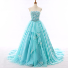 Glamorous Ball Gown Strapless Chapel Train Tulle Evening Dresses with Appliques Beaded/ Prom Party Dresses