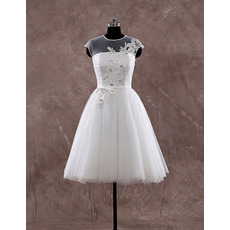 Perfect A-Line Cap Sleeves Knee Length Tulle Wedding Dresses with Floral Applique