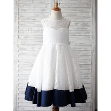 Custom V-back Sleeveless Knee Length Color Block Lace Flower Girl Dress with Bow and Satin-trimmed Hem