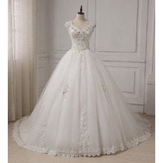 Gorgeous A-Line V-Neck Sleeveless Chapel Train Beaded Appliques Satin Tulle Wedding Dresses with Open Back