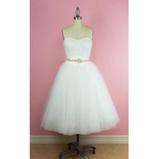 Beautiful Ball Gown Sweetheart Tea-Length Tulle Wedding Dresses Crystal-adorned Waist