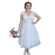 Beautiful V-neck Tea-Length Plus Size Tulle Wedding Dresses with Lace Appliques Bodice