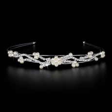 Pretty Alloy With Pearl and Crystal Bridal Tiara