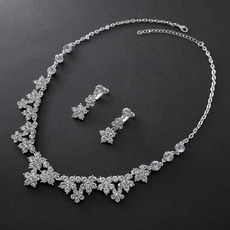 Beautiful Sparkling Crystal Floral Necklace and Earring Set