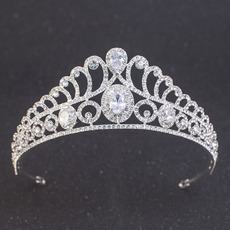 Twinkling Delicate Crystal Bridal Tiara/ Princess Bride Crown