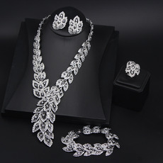 Graceful Crystal Silver Leaf-inspired Necklace and Earrings Set