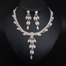 Delicate Sparkly Alloy with Crystal Silver Necklace and Earrings Set