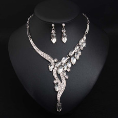 Delicate Alloy with Crystal Rhinestone Silver Necklace and Earrings Set