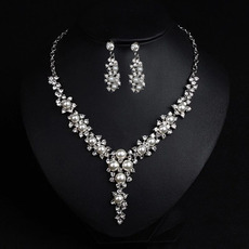Graceful Alloy with Floral Crystal Pearl Silver Necklace and Earrings Set