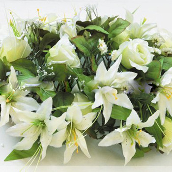 Beautiful Victoria-style Silk Table Lily Flower