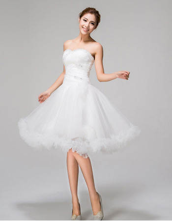 Romantic A-Line Sweetheart Knee Length Tulle Beach Wedding Dresses with Ruffles Hem