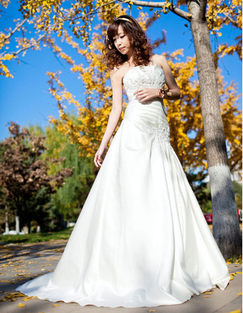 Graceful A-Line Beaded Appliques Satin Wedding Dresses with Side Draped