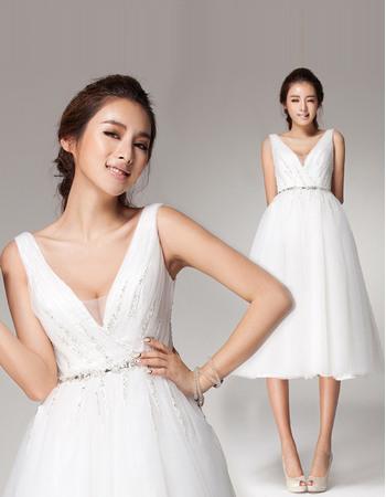 Delicate Beaded A-Line V-Neck Knee Length Tulle Short Reception Wedding Dresses