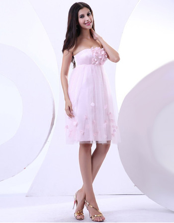 Romantic Strapless Short Pink Tulle Wedding Dresses with Petal Detailing