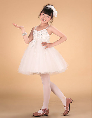 Inexpensive A-line Spaghetti Straps Mini/ Short Lace Applique Beaded Flower Girl Dresses with Petal Detailing