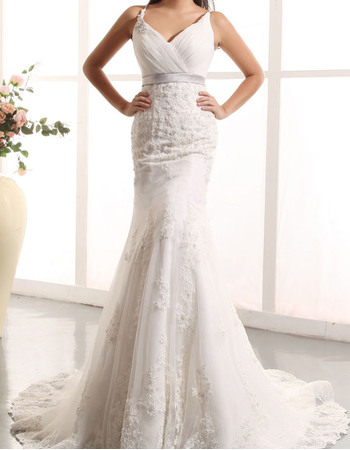 Exquisite Spaghetti Straps V-Neck Court Train Tulle Wedding Dresses with Beading Appliques