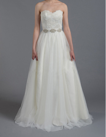 Elegant Sweetheart Tulle Skirt Wedding Dresses with Crystal Waist and Appliques Bodice