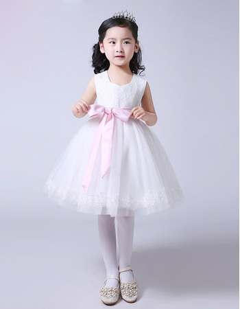 Affordable Ball Gown Knee Length Lace Tulle Two Tone Flower Girl Dresses with Sashes and Appliques