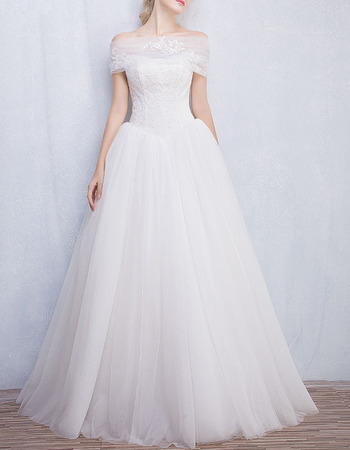 Princess Ball Gown Strapless Wedding Dresses with Pleated Tulle Skirt and Detachable Wraps