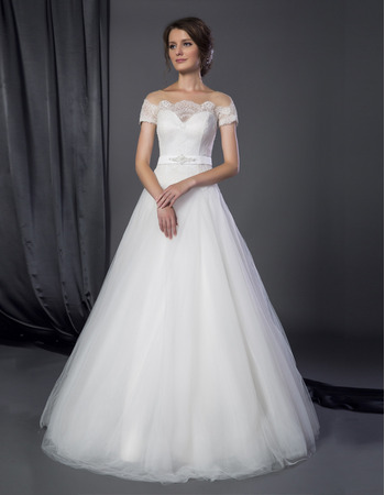 Classic A-Line Off-the-shoulder Tulle Wedding Dresses with Short Sleeves