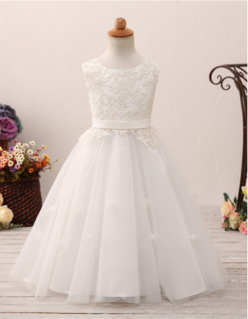 Lovely Ball Gown Full Length Appliques White Tulle Flower Girl/ First Communion Dresses