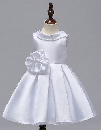 Delicate Beaded V-back Short Satin Flower Girl Dresses with Big Bow