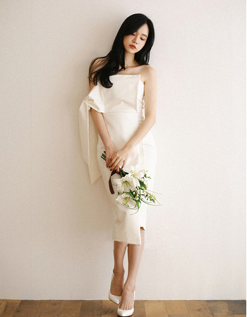 Unique Chic Sheath Knee Length Reception Short Wedding Dresses