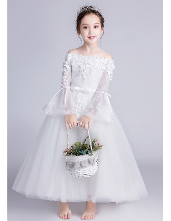 Charming Lace Appliques Off-the-shoulder Tulle Flower Girl Dress with Long Sleeves